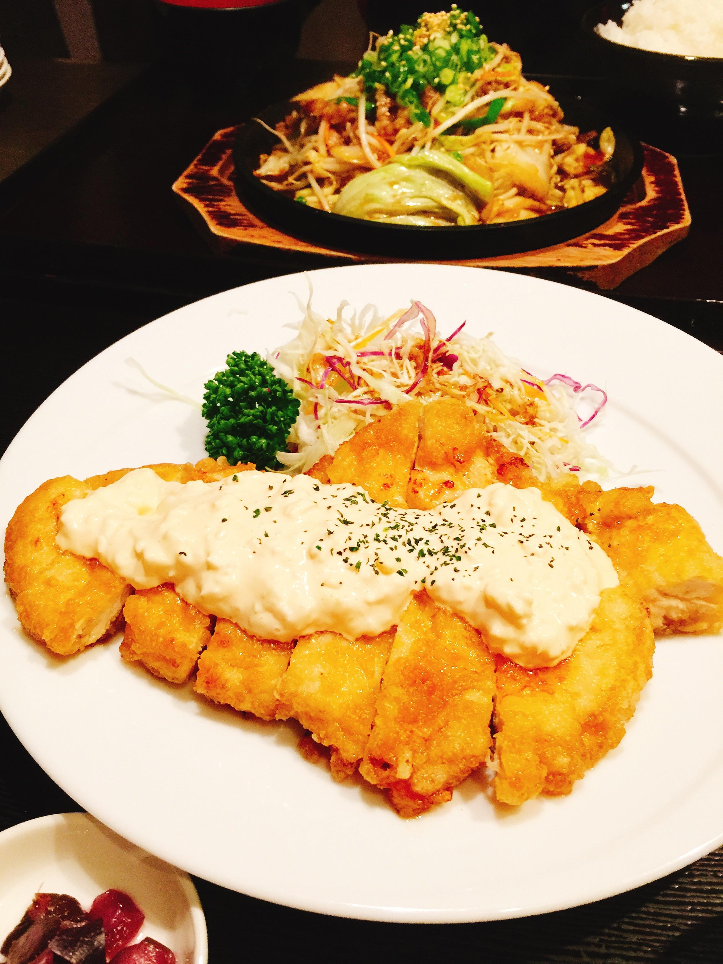 「焼肉ぷるこぎ 高知店」チキン南蛮定食の写真